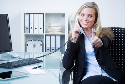 erfolgreiche Anwälting am Telefon